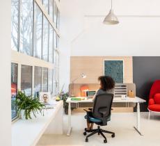 electric-height-adjustable-desks-Yan-Drive-MDD-6-1392x1080
